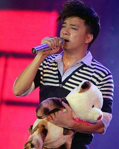 Cao Thái Sơn bị tố hát nhép trong đêm nhạc ngày 23/6 ở TP HCM.