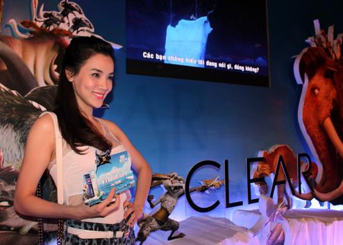 : Là một trong những đối tác của bộ phim, Clear tài trợ độc quyền buổi công chiếu Ice Age 4 ngày 17/7 tại MegaStar Hùng Vương.