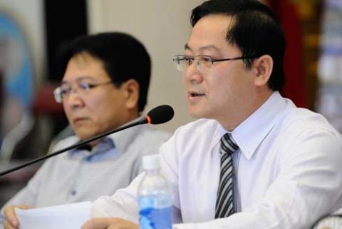 ông Lê Xuân Sơn - Tổng biên tập báo Tiền Phong - trưởng ban tổ chức cuộc thi Hoa Hậu Việt Nam 2012 trả lời báo giới trong buổi họp báo chiều 8/8.