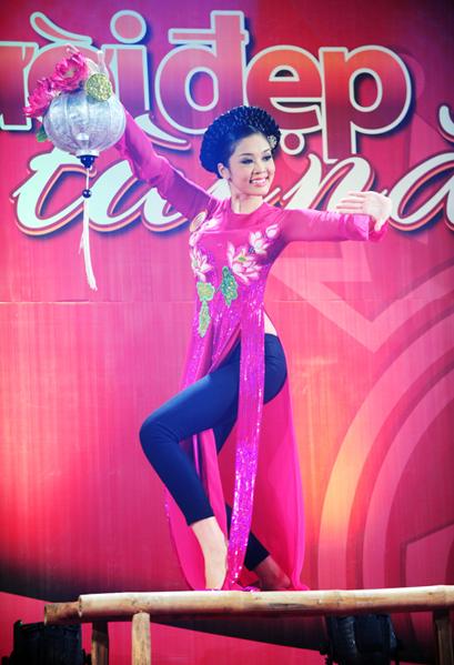 Bài múa của Xuân Trang.