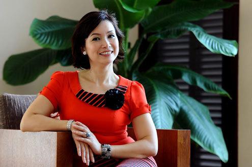 Bùi Bích Phương vẫn giữ nguyên nét nhan sắc mặn mà sau 24 năm đăng quang cuộc thi Hoa hậu Việt Nam.