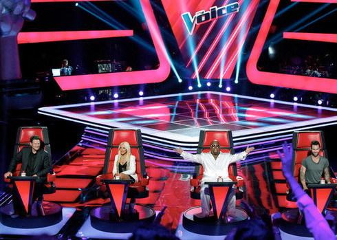 Ánh sáng, âm thanh và sân khấu của The Voice Mỹ được làm chuyên nghiệp.