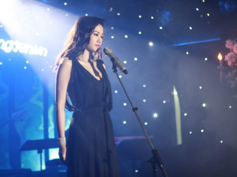 Giai nhân một thời của Hà Dũng thể hiện một số ca khúc trong phim.