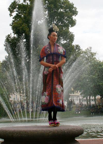 Quán quân Vietnam's Next Top Model 2010 Khiếu Thị Huyền Trang.