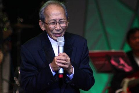 Nhạc sĩ Nguyễn Ánh 9 hy vọng có dịp đệm đàn cho Khánh Ly khi bà hát trong nước.
