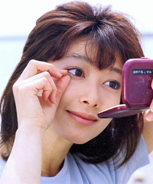 a4-masako-natsume-jpg-1354337600_500x0.j