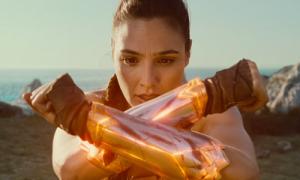 Gal Gadot khoe năng lực siêu anh hùng trong 'Wonder Woman'
