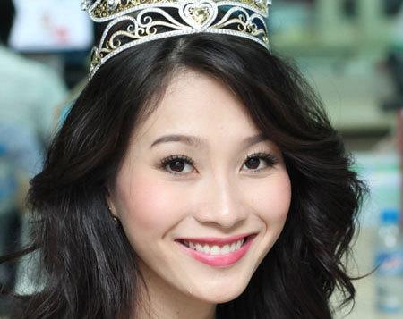 Hoa hậu Việt Nam 2012 Đặng Thu Thảo còn đoạt cả giải phụ