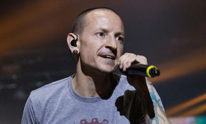 Ca sĩ chính của nhóm Linkin Park treo cổ tự tử