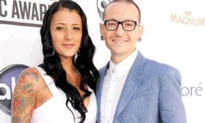 Vợ cố ca sĩ nhóm Linkin Park: 'Sao tôi có thể bước tiếp?'