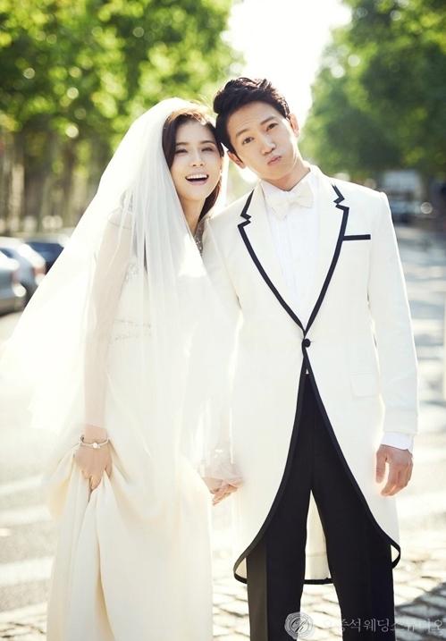 Vợ chồng Ji Sung - Lee Bo Young muốn nắm tay nhau đến hết đời - VnExpress Giải trí