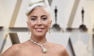 Lady Gaga đến Oscar với viên kim cương nổi tiếng nhất thế giới