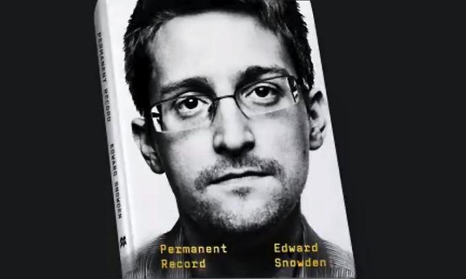 Tự truyện Edward Snowden ra bản tiếng Việt