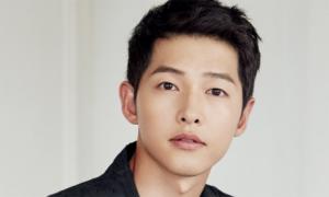 Song Joong Ki phủ nhận có tình mới