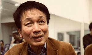 Nghệ sĩ hát cổ vũ tinh thần Phú Quang
