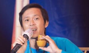 Hoài Linh hát cổ vũ người xứ Quảng