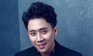 Trấn Thành hát hit 'Hoa nở không màu'