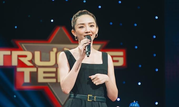 Tóc Tiên, Hương Giang lần đầu thi tranh biện