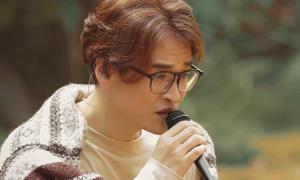 Hà Anh Tuấn hát giữa rừng