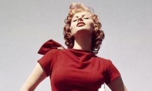 Sophia Loren - biểu tượng gợi cảm của Hollywood