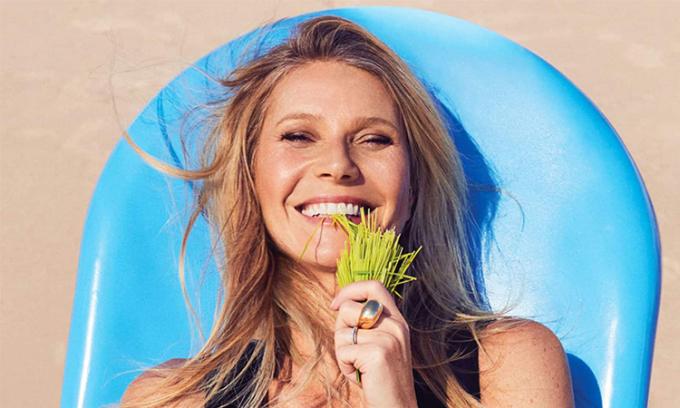 Gwyneth Paltrow khỏa thân đón tuổi mới