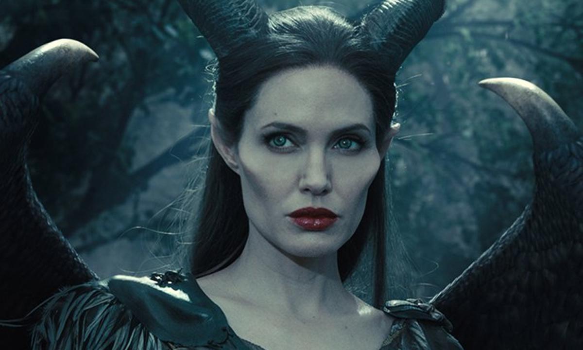 Angelina-Jolie-1601711583