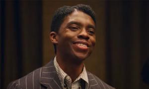 Chadwick Boseman đóng nhạc công trong phim cuối
