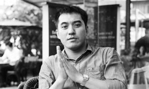 Văn Thành Lê ra mắt sách 'Bên suối, bịt tai nghe gió'