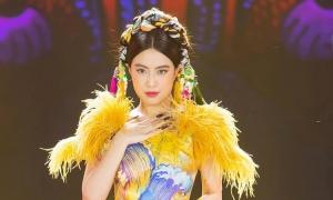 Hoàng Thùy Linh đưa cô Tấm lên sân khấu