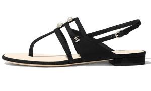 Loạt giày dép không lỗi mốt của Chanel
