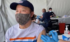 Bảo Quốc tiêm vaccine Covid-19