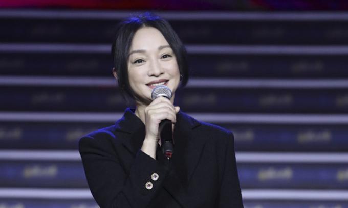 Châu Tấn quảng bá phim về Vũ Hán