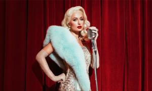 Paris Hilton thụ tinh trong ống nghiệm