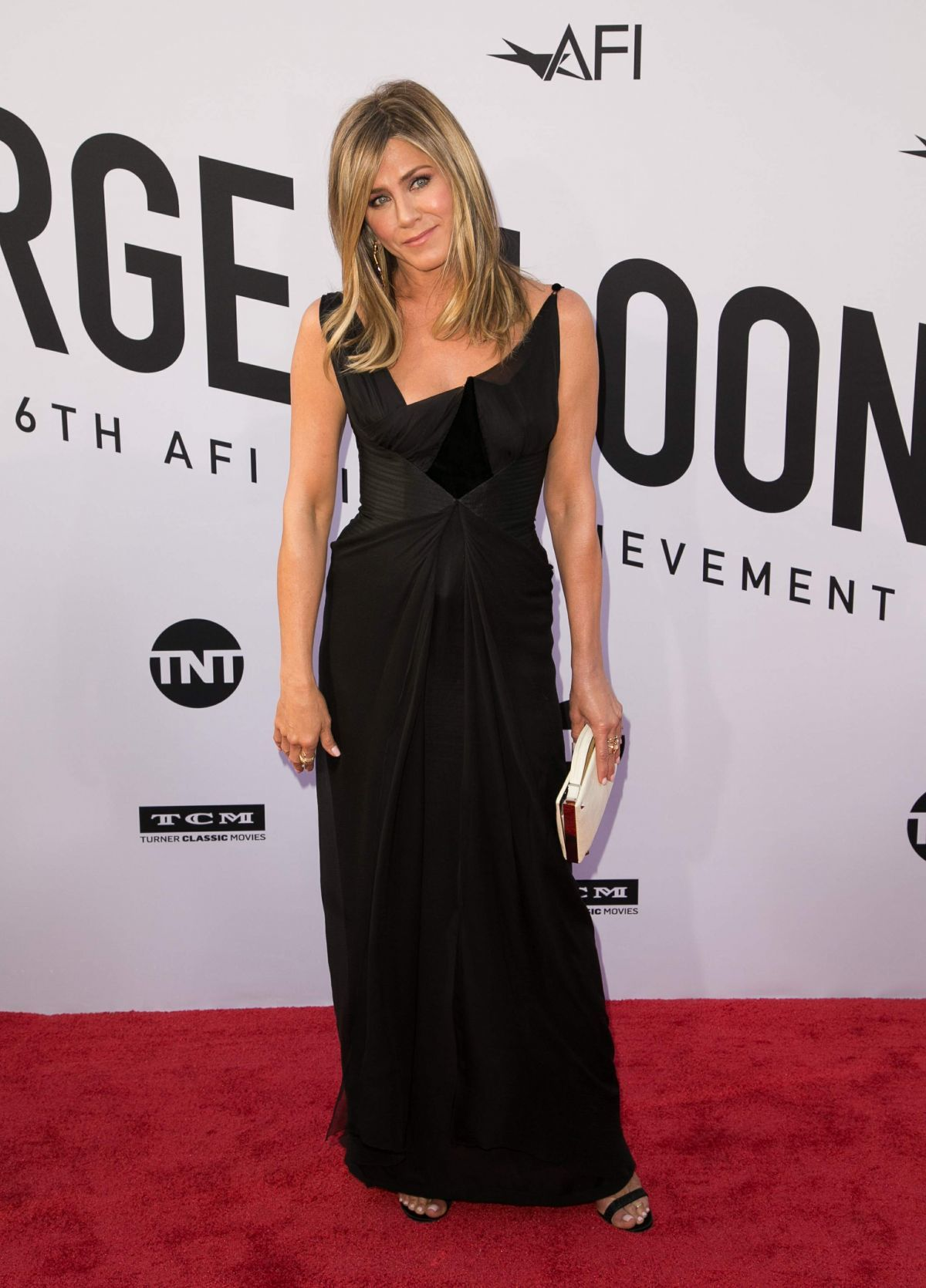 jennifer-aniston-at-american-film-institute-s-46th-life-achievement-award-gala-tribute-to-george-clooney-in-hollywood-06-07-2018-2-1613276733