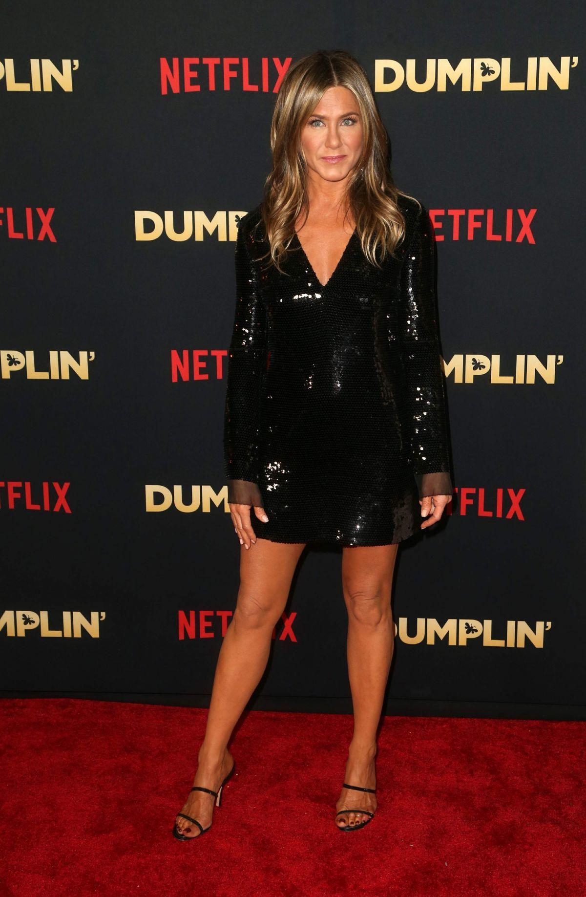 jennifer-aniston-at-dumplin-premiere-in-hollywood-12-06-2018-5-1613276733
