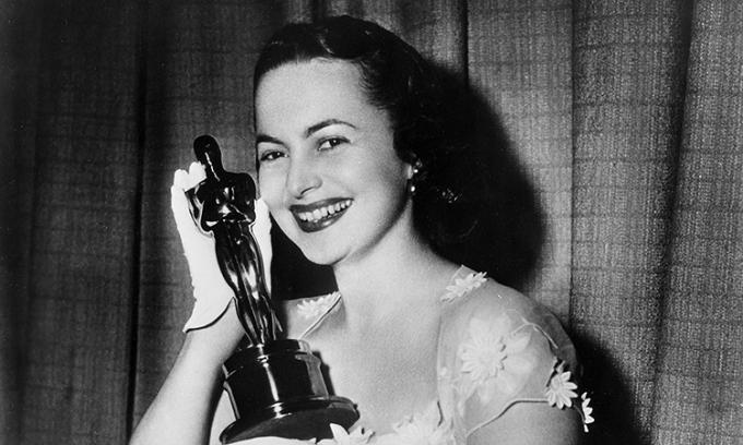 Váy Oscar kinh điển ở thập niên 1930-1970