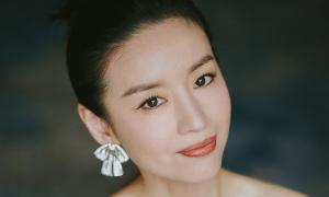 Sắc vóc Đổng Khiết tuổi 41