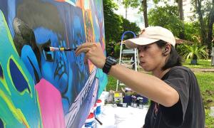 Tám họa sĩ cùng vẽ graffiti