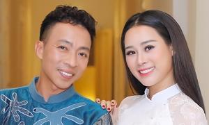 Hôn nhân của Việt Hoàn và bà xã kém 18 tuổi
