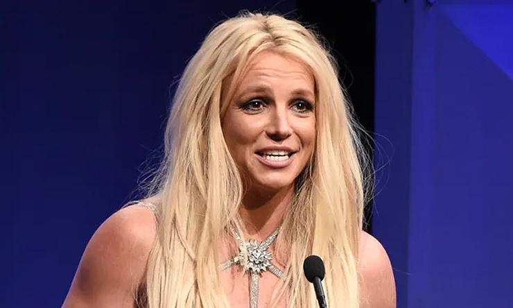 Britney Spears: 'Tôi thấy mình như nô lệ'