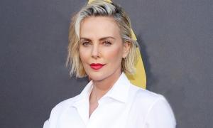 Nhan sắc tuổi 46 của Charlize Theron