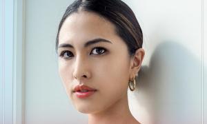 Nhân viên văn phòng đăng quang Hoa hậu Hoàn vũ Nhật
