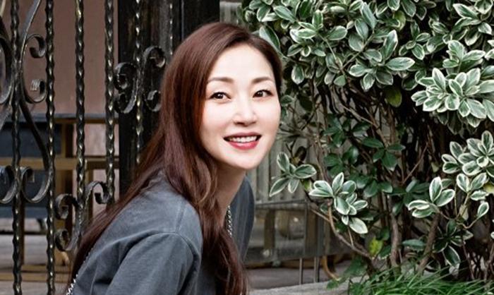 Minh tinh Hong Kong bỏ phố về quê